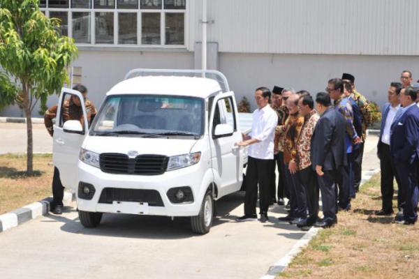Presiden Jokowi: Feeling Saya Mobil Esemka Laku Keras