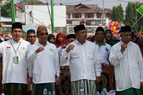 DPR RI Terpilih dari PKB, Muhammad Kadafi Serahkan Bantuan ke PWNU Lampung