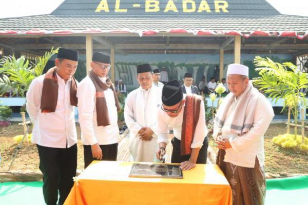 Diresmikan Menteri Hanif, Ketua Yayasan Al-Badar KH Waskurni Harap BLK Pesantren Tingkatkan Skill Santri