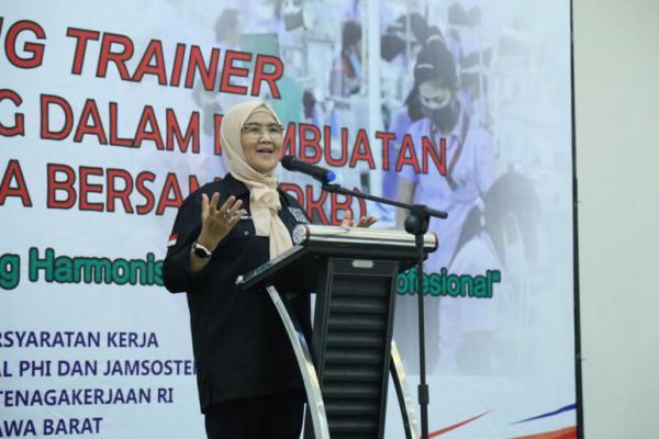 Kemnaker: Trainer Diharapkan Mampu Tingkatkan Kualitas Pembuatan PKB