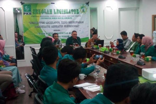 FPKB Ajak Mahasiswa Jadi Legislator Handal