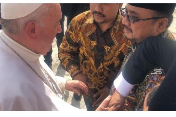 Temui Paus Fransiskus di Vatikan, Gus Yaqut Bawa Misi Humanitarian Islam