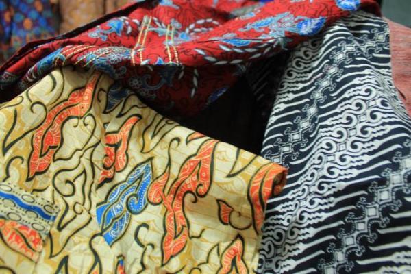 Hari Batik Nasional, Kenali 3 Jenis Batik Sesuai Cara Bikinnya