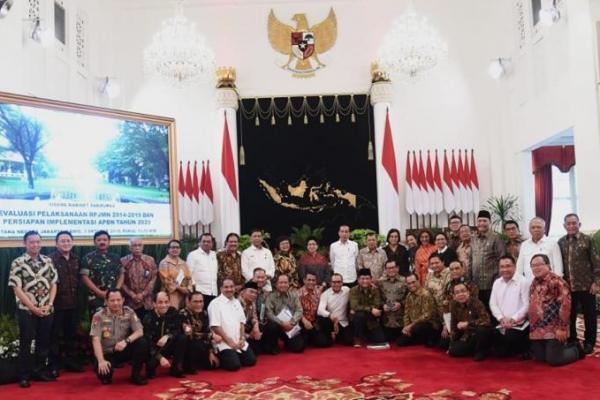 Jalankan Program Selama 5 Tahun, Presiden Jokowi Bangga Dibantu Para Menteri