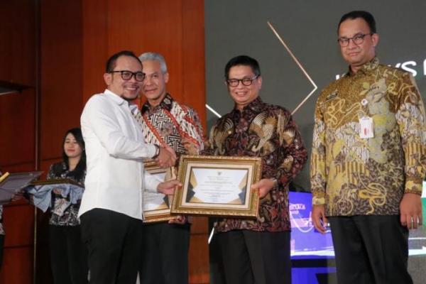 Hanif Dhakiri Hadiri Penganugrahan Indeks Pembangungan Ketenagakerjaan 2019