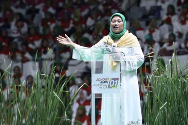 Sambil Tersenyum, Ida Fauziyah Akui Diskusi Soal Lapangan Kerja Bareng Jokowi