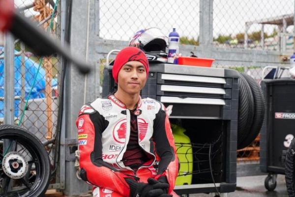 Juara MotoGP Malaysia, Maverick Vinales Persembahkan Kemenangan untuk Afridza Munandar