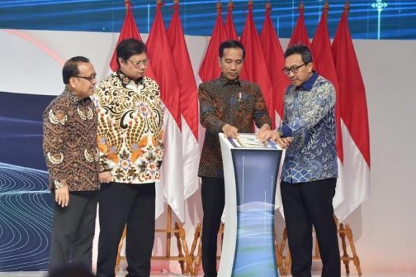 Presiden Jokowi Minta Pelaku Perbankan Biayai Sektor UMKM