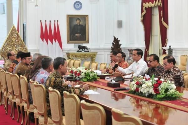 Lapor Presiden, Rombongan KPU Sambangi Istana Merdeka