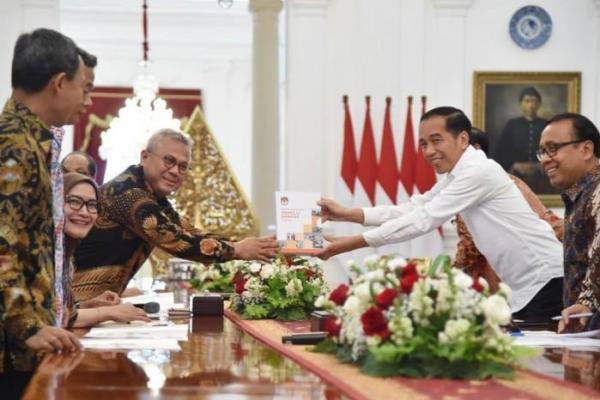 Terungkap! Ini Pembahasan Presiden Jokowi dengan KPU di Istana Merdeka
