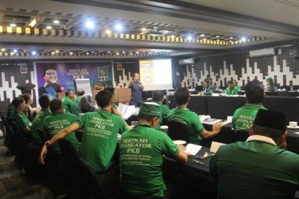 PKB Asah Kemampuan Diri Wakil Rakyat se Kalteng Lewat Sekolah Legislator