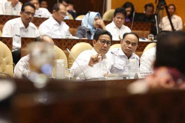 Mendes Halim Iskandar Tegaskan Tak Ada Desa Fiktif