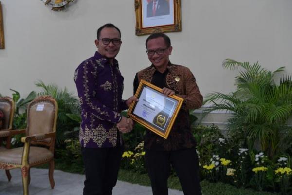 PKB Raih Anugerah Keterbukaan Informasi Publik dari KIP