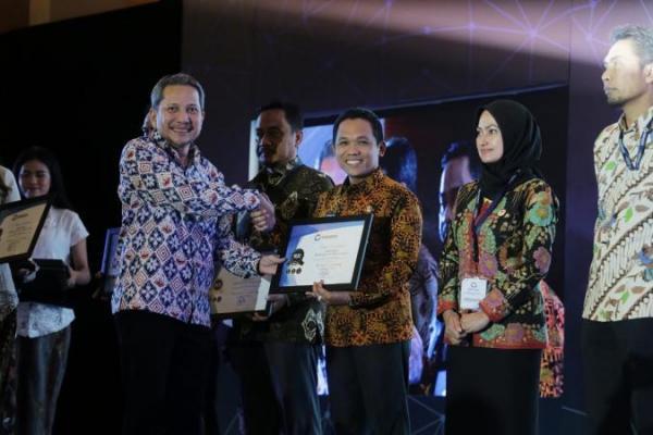 Lumajang Sabet Penghargaan Pelayanan Publik Terbaik, Cak Thoriq Bangga