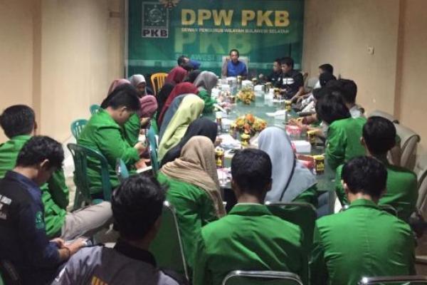 Kunjungi PKB Sulsel, Mahasiswa UINAM Diskusikan Platform Partai