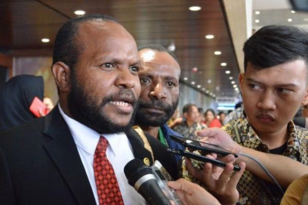Marthen Douw Minta PT. Pupuk Indonesia Edukasi Masyarakat Papua
