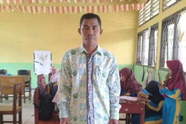 Malang Nasib Ahmad, Guru Inpassing Asal Manggarai Tak Terima Honor Sejak 2011
