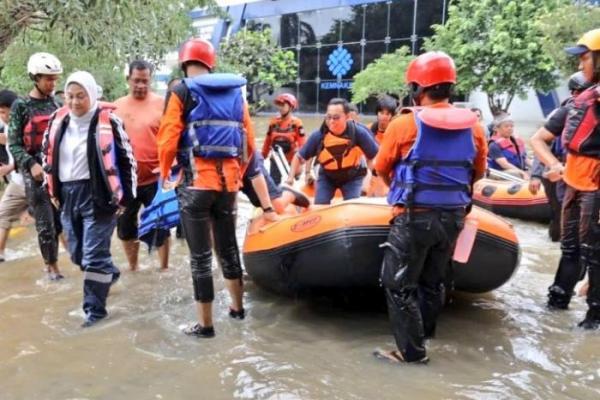 BBPLK Bekasi Kebanjiran, Menaker Sedih Banyak Alat dan Dokumen Terendam