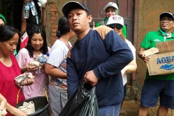 Bangun Dapur Umum di Kampung Pulo, PKB Kerahkan TA Jadi Relawan