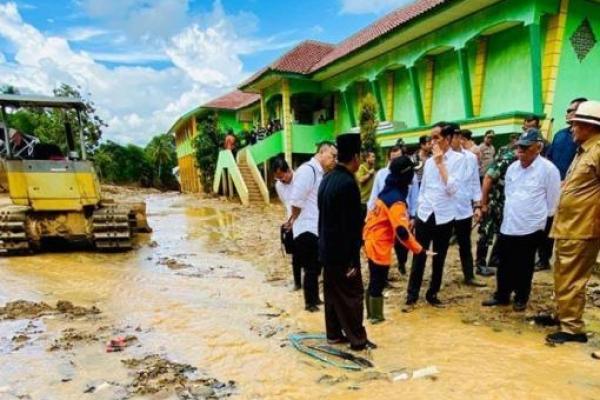 Jokowi Minta Penambangan Emas Ilegal di Lebak Dihentikan