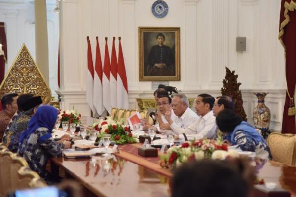 Bahas Penanganan Banjir, Presiden Jokowi Panggil Tiga Gubernur