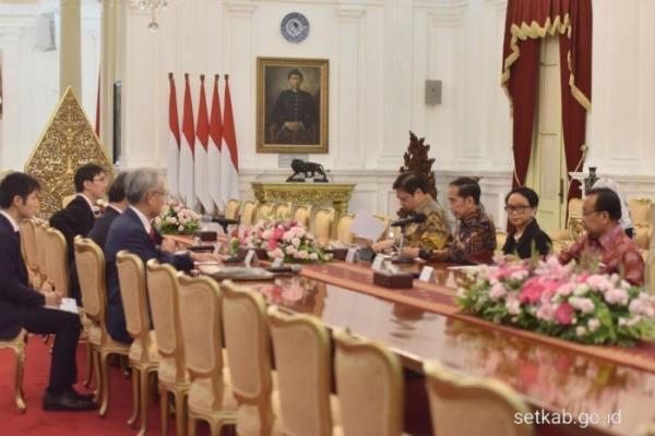 Terima Menlu Motegi di Istana, Presiden Jokowi Ajak Jepang Investasi di Natuna