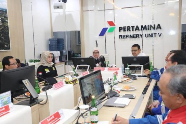 Menteri Ida Fauziyah Apresiasi Pelayanan K3 PT Pertamina Balikpapan