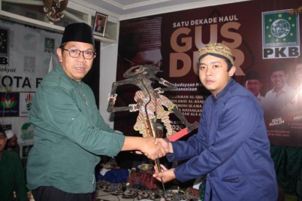 PKB Batu Orbitkan Dalang dari Kader Muda NU Dalam Peringatan Haul Gus Dur