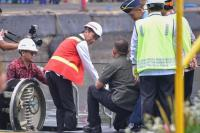 Ke Surabaya, Presiden Jokowi Cek Kapal Selam Alugoro-405