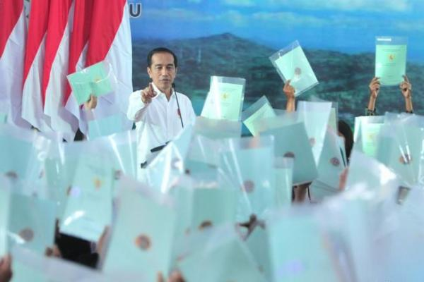 Presiden Jokowi Serahkan 3.218 Sertifikat Tanah di Yogyakarta