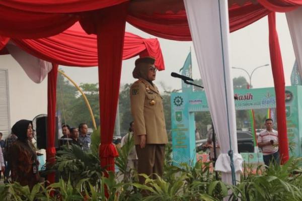 Ke Riau, Menaker Pimpin Upacara Bulan K3 Nasional di PTPN V