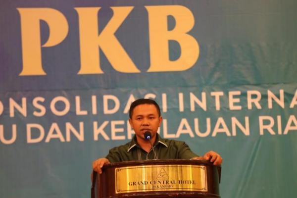 Abdul Wahid Minta Legislator PKB se-Riau Masifkan Medsos