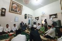 Hadiri Haul Mbah Bisri di PP Mambaul Maarif, Ini Doa Ance
