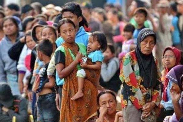Sri Mulyani: Bansos Efektif Atasi Lonjakan Kemiskinan
