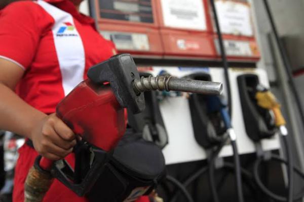 Pemerintah Masih Pertimbangkan Penurunan Harga BBM