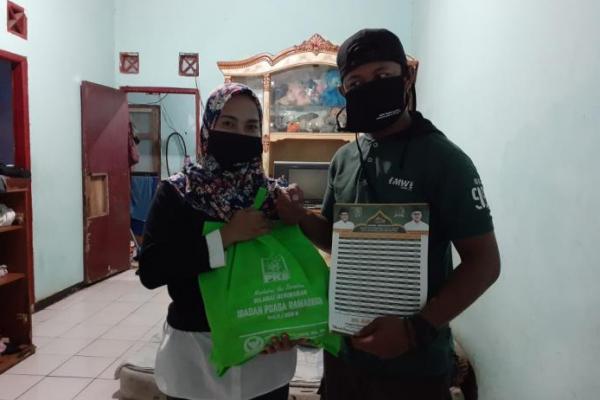 Politisi PKB, Rano Alfath Bagikan 1.500 Paket Sembako ke Masyarakat Tangerang