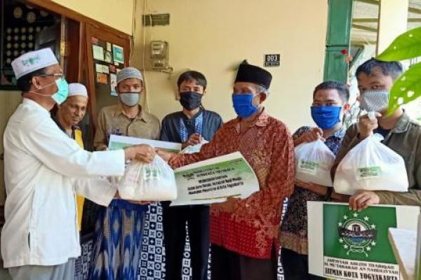 Jatman Kota Yogyakarta Salurkan Bantuan Untuk Masyarakat Terdampak COVID-19