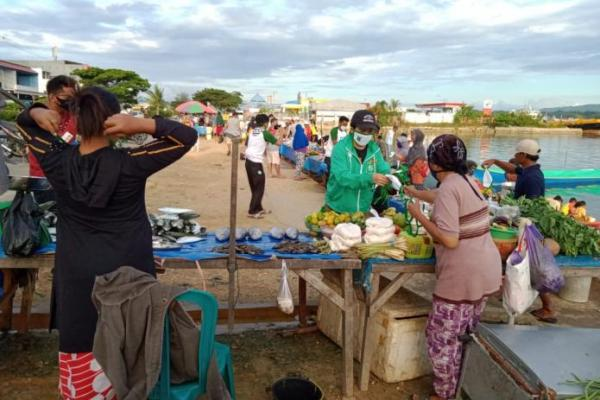 Fokus Gerakan Kemanusiaan, PKB Sultra Gencar Bagikan Masker dan Sembako