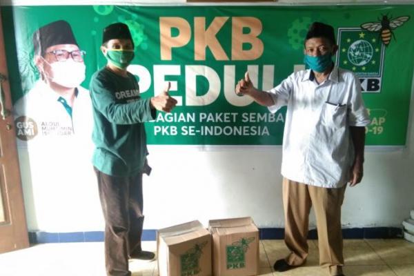 PWNU Maluku Terima 200 Paket Bantuan Sembako Gus Muhaimin