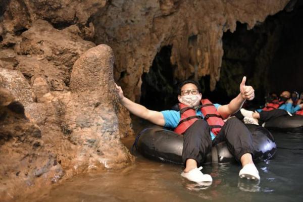 Taati Protokol Kesehatan, Gus Menteri Harap Wisata Goa Pindul Segera Dibuka