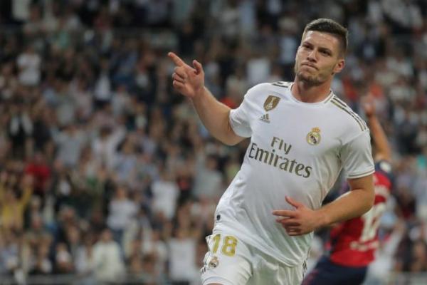 Banyak Saingan, AC Milan Kebut Transfer Luka Jovic