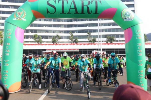 PKB Kampanye Hidup Sehat Lewat Fun Bike to Nation