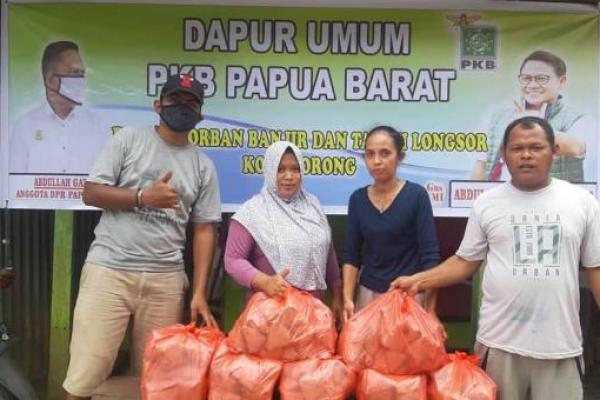 PKB Papua Barat Buka Dapur Umum Peduli Korban Banjir Kota Sorong
