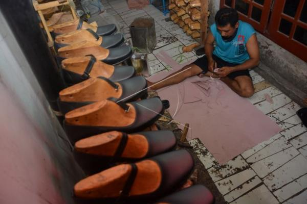 Pandemi, Penjualan Industri Alas Kaki Turun Hingga 43 Persen