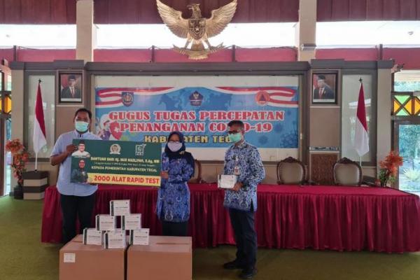 Nur Nadlifah Sumbang 2000 Alat Rapid Test di Kabupaten Tegal