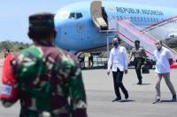 Bertolak ke NTT, Presiden Jokowi Serahkan Bantuan Modal Kerja