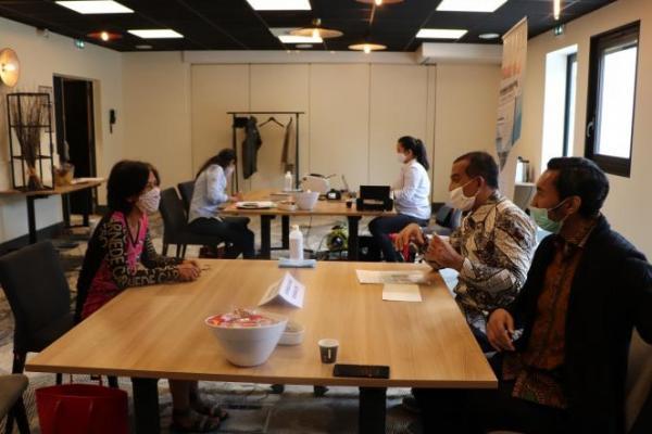 Di Tengah Pandemi, KJRI Marseille Berikan Pelayanan Kekonsuleran bagi WNI