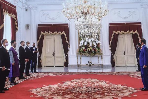 7 Dubes Negara Sahabat Serahkan Surat Kepercayaan ke Presiden Jokowi