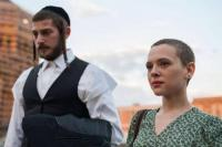 "Mengenal Lebih Dekat Komunitas Yahudi di Drama Terbaru Netflix ""Unorthodox"""