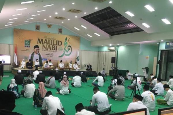 Gelar Maulid Nabi, Gus AMI Doakan Indonesia Diselimuti Keberkahan